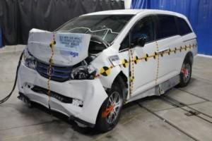 VMI Honda Odyssey - Front Crash Test