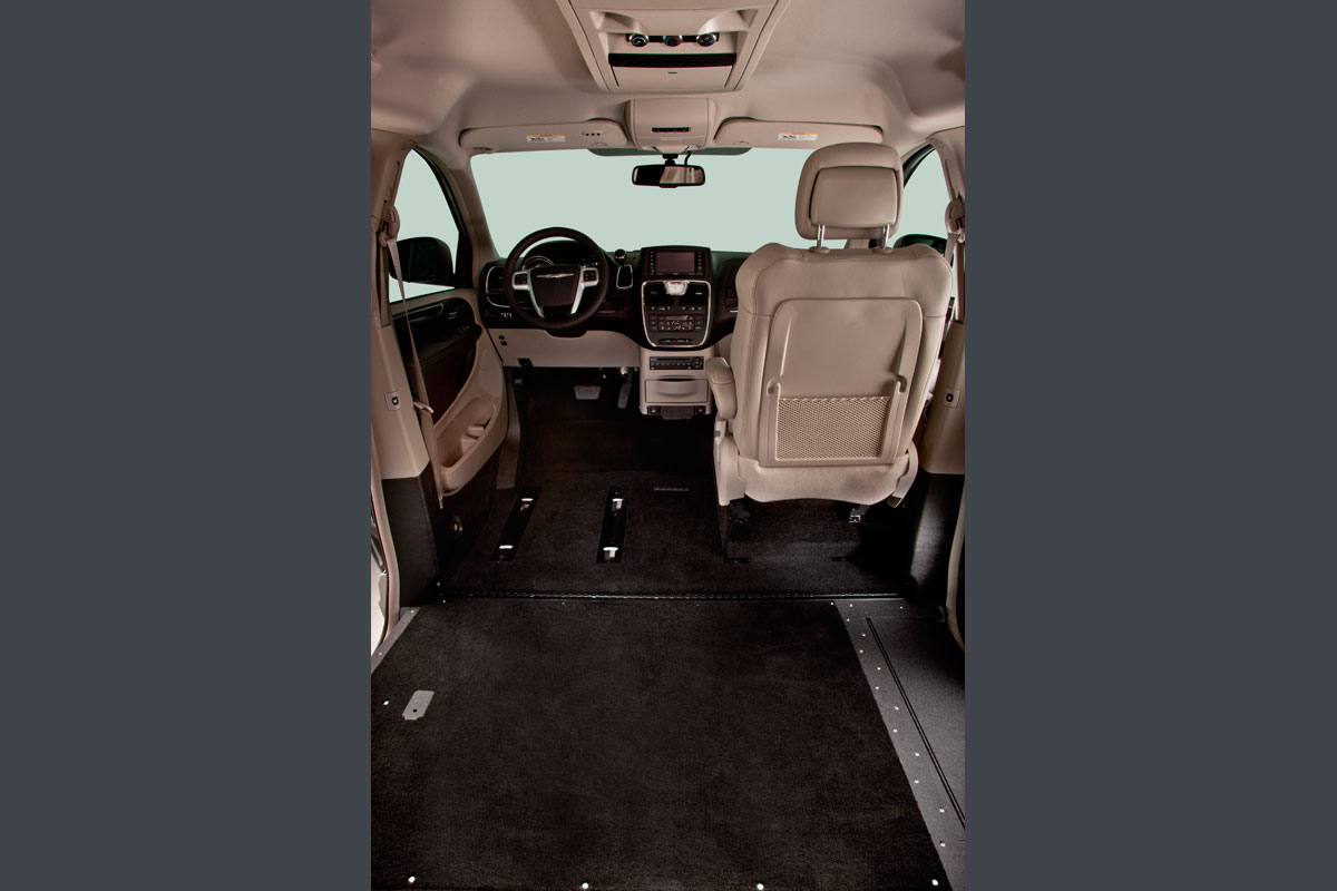 Driver Seat Out of Chrysler Town Country Northstar