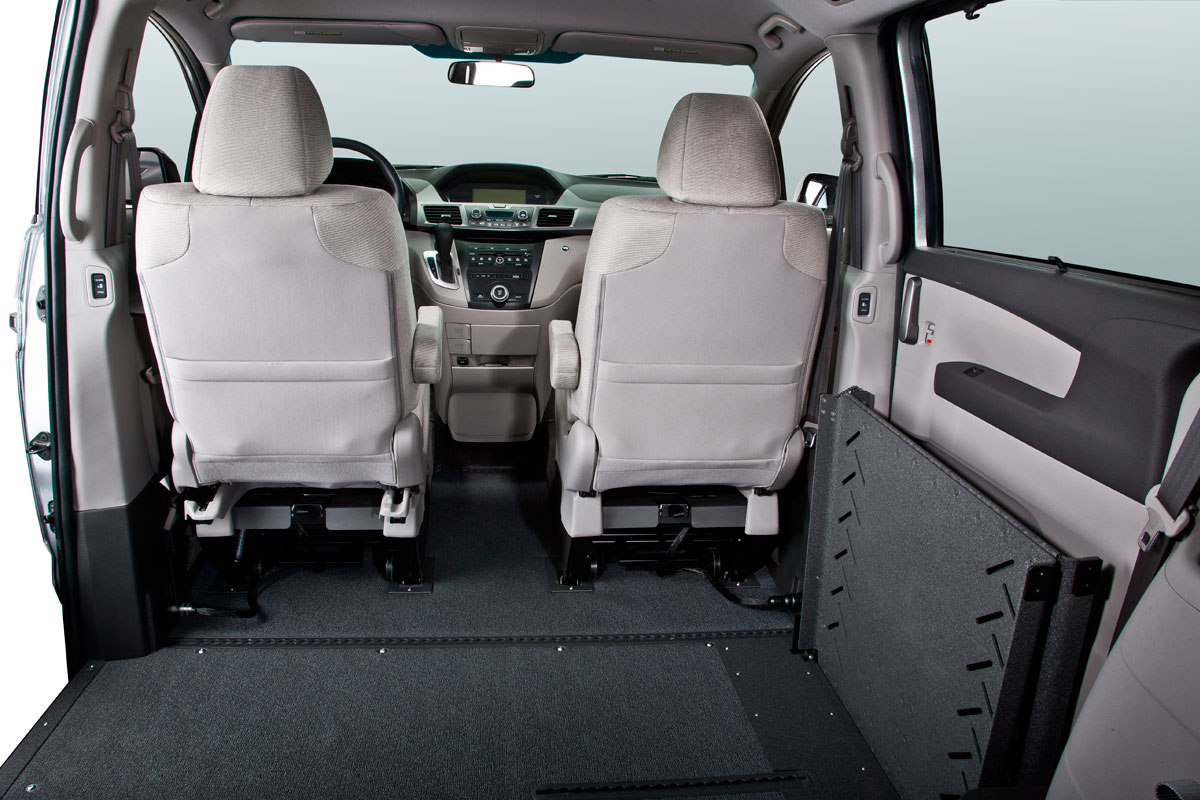 vmi honda odyssey with summit conversion vans wheelchair conversion vans. Black Bedroom Furniture Sets. Home Design Ideas
